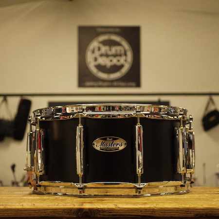 "Pearl Masters Complete 14"" x 6.5"" Snare Drum in Matte Caviar Black"