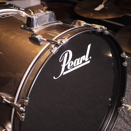 "Pearl Roadshow 22"" x 18"" Bass Drum in Bronze Metallic"