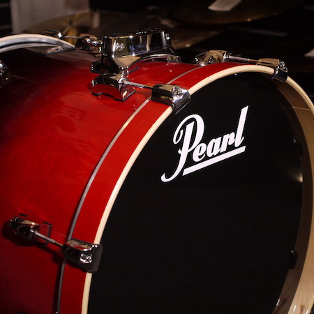 "Pearl Vision Birch 22"" x 18"" Bass Drum in Ruby Fade"