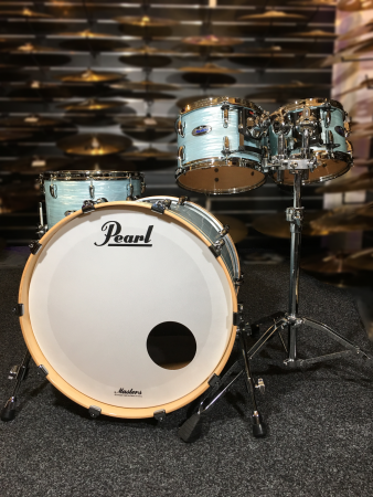 Pearl Masters Maple Complete Shell Pack (4pc) in Ice Blue Oyster