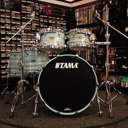 "Tama Starclassic Walnut/Birch 22"" (5pc) Shell Pack in Arctic Blue Oyster"